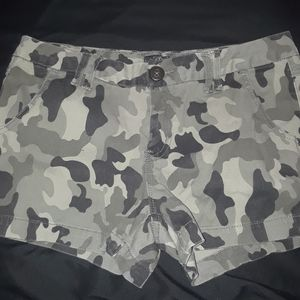 Women Army Shorts Size 7
